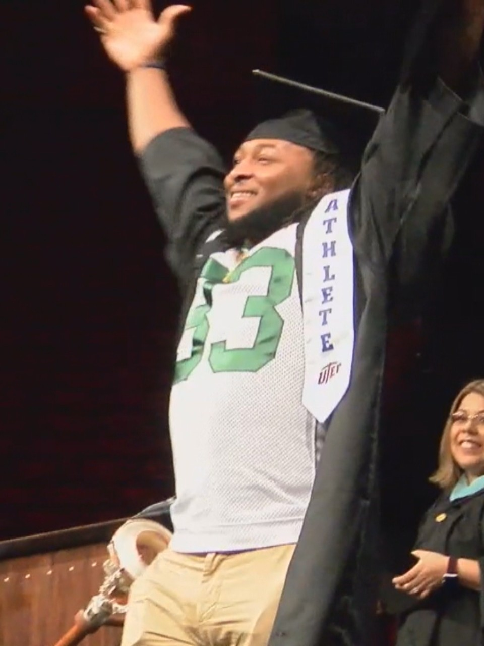 Packers Aaron Jones Graduates From College Wluk