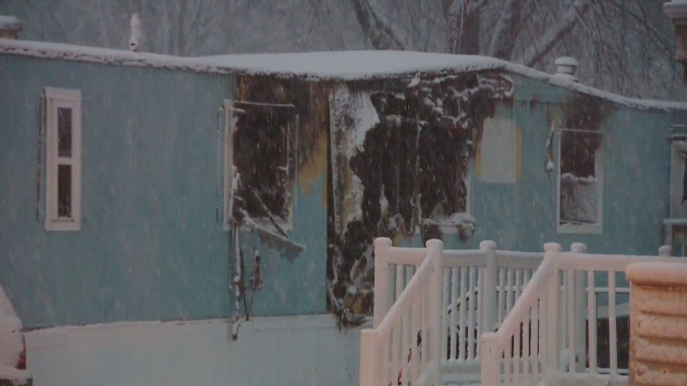 Six displaced in Calumet County mobile home fire | WLUK on quad mobile, superman mobile, sky mobile, apple mobile, blu mobile, claro mobile, honor mobile,